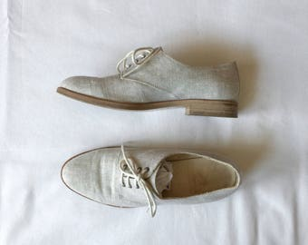 linen and leather lace up shoes