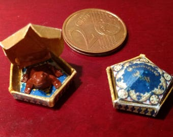 Dolls House 12th Scale Harry Potter's Chocolate Frog