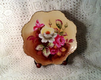 Lefton Floral Plate - Hand Painted Pink & White Roses, Scalloped Edge, Gold Trim  - Mid Century Wall Hanging -1950s, 1960s Made in Japan