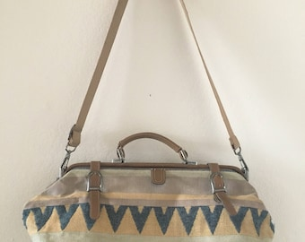 vintage 80's/90's SOUTHWESTERN woven OVERNIGHT BAG - large, neutral colors, weekender