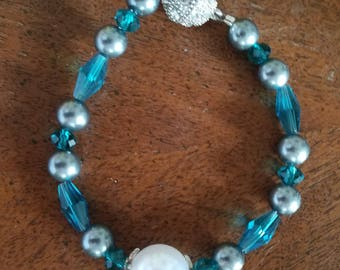 Teal and pearl bracelet