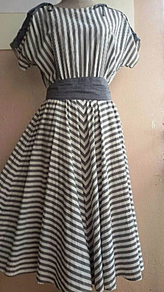3d8354cfcf4e 50s Cotton Day Dress Gray Strip Dress Full Circle Skirt