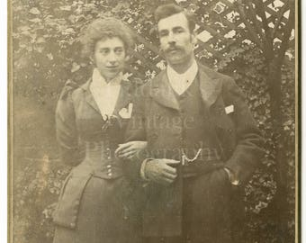 Cabinet Card Photo Victorian Young Couple, Wasp Waist, Linking Arms Outdoor Garden Portrait - Antique Photograph