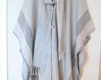 vintage woven gray  & cream fringe scarf poncho *