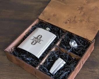 Personalized gift for boyfriend, flasks for men, camp gift, hip flask, personalized flask, groomsmen gift set, groomsmen flask, 7 oz