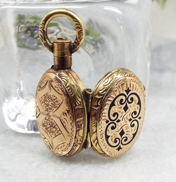 Antique Victorian 9ct Gold Miniature Ornate Black Enamel Photo Locket Necklace