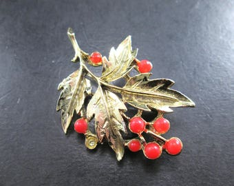 Vintage Gold Tn Leaf & Orange Berry Brooch Pin 1970's