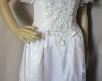 Vintage Wedding Gown 1980 Bridal Dress 1990 Wedding Dress White Bridal Gown Beads and Sequins Organza Ruffles Eve of Milady Long Train
