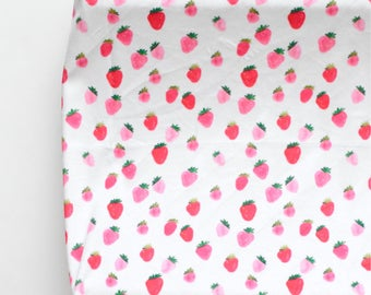 Changing Pad Cover in Strawberries in Watercolor, Strawberry Fruit Pink