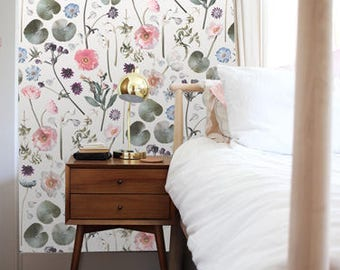 Floral Finds REMOVABLE Fabric Wallpaper Tile
