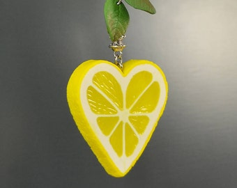 40 mm Lemon Heart-shaped Necklace - Polymer clay jewelry - Gift for her - Handmade jewelry  - Yellow citrus jewellery - Fruit slice pendant
