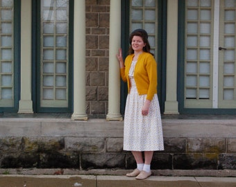 Mustard 1940s-Style Dress / Handmade Vintage 1940s-Style Dress / Retro / WWII / Reenactment / Size M-L