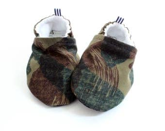 army camo - baby shoes, Soft Sole Baby Shoes, Fabric Baby Booties - great gift idea!