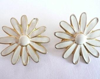 Ivory Cream Enamel Painted Daisy Flower Clip on Earrings