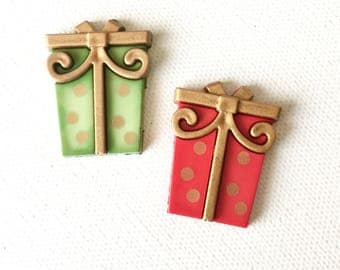 Christmas Gift Pin, Christmas Gift Tie Tack, Green Present Pin Tie tack, Red Present Gift Parcel Pin, Wrapped Present Pin, Holiday Jewelry