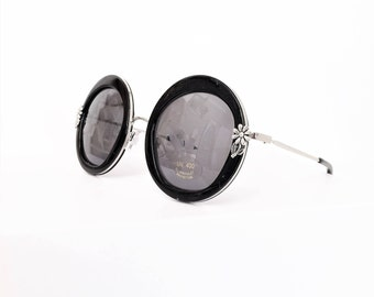 Round Sunglasses, Mod Black and Silver with flower