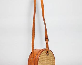 Banjo rattan and leather bag, round leather and rattan bag, round shoulder bag