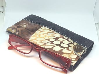 Eyeglass case in Brown fabric and batik unisex