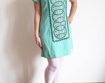 50s dress 50s 60s Vintage Embroidered dress Aquamarine Blue Dress Short sleeve Mini dress small medium size / N
