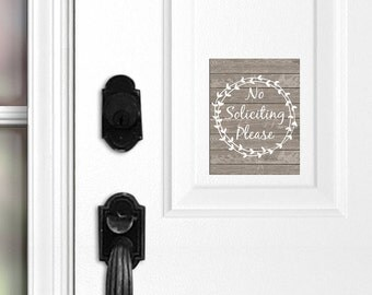 No Soliciting Front Door Magnet, Do Not Knock, Do Not Ring Doorbell, Door Sign, Grey Brown Wood, Wreath