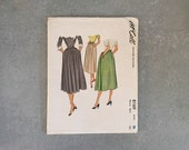 Vintage 1950s Sewing Pattern Skirt - McCall 8169 - Waist 26 - Misses' Skirt