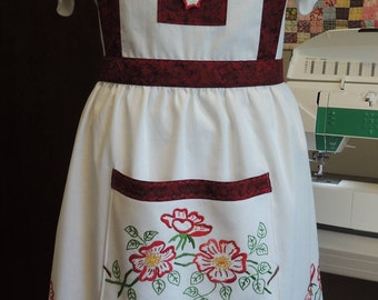 Embroidered/crocheted full apron with red accents