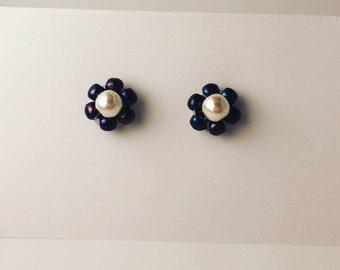 Pearls Flowers Stud Earrings, pearl flower earrings, flower earrings, beads stud earrings, Blue and White pearls and beads earrings