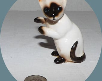 Vintage Enesco Mini Siamese Cat Figurine-Blue Eyes-Playful-Standing