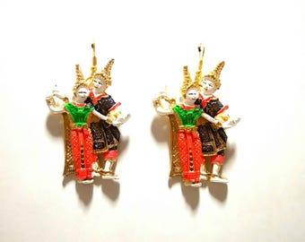 Thai folk dancing earrings (Nang Rum)