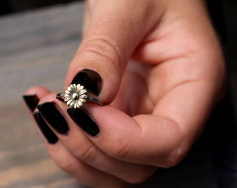 Yellow Sunflower Ring, Sweet Sunflower Stack Ring, Boho Sunflower Ring, Antiqued Ring, Hipster Flower Ring, Bridesmaid Ring, Rustic Flower