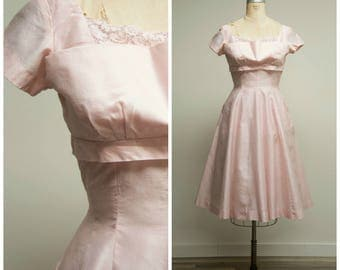 Vintage 1950s Dress • First Crush • Pale Pink Polished Cotton 50s Dress with Full Skirt Size Medium