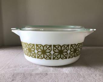 Vintage Pyrex Square Verde Green Flower Casserole Dish with Lid 475 B, 2 1/2 Quart