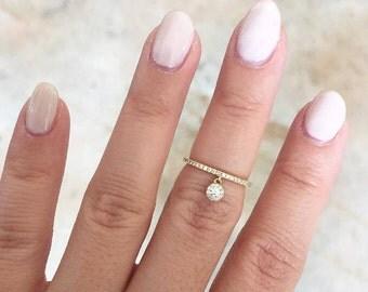 Beautiful 14k Gold Diamond Lady's Ring. BXSC55001275