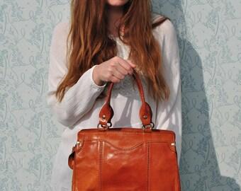Handbag leather, handbag women, handbag vintage, handbags leather, leather purse, bags and purses, leather bag women, leather handbag women