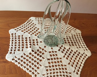 Vintage Crochet Rug/vintage crochet doily.