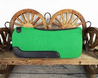 Western Horse Trail Barrel Green Wool Felt Leather Contoured Spine Saddle Pad