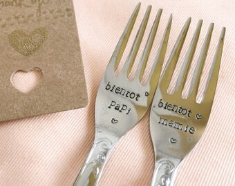 """Surprises forks engraved to announce the birth """"soon Grandma and Grandpa soon"""""""