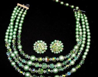 Vintage jewelry set-gorgeous green glass necklace and earrings demi parure
