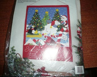 Vintage Bucilla Felt Applique Christmas At The North Pole Card Holder Kit