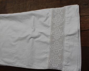 Cotton bed valanve with cotton lace inset REF 806