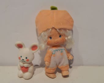 Vintage Strawberry Shortcake Apricot Doll With Her Pet Hopsalot Kenner 1980
