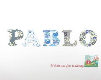 Appliqués thermocollants Prénom personnalisable (PABLO, exemple proposé) de 5 lettres en liberty