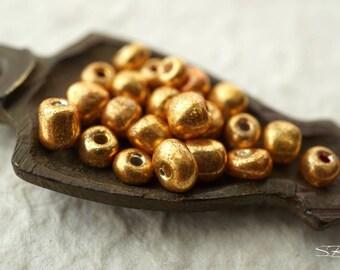 Golden Seed Beads, Rocailles, Czech Beads, N902