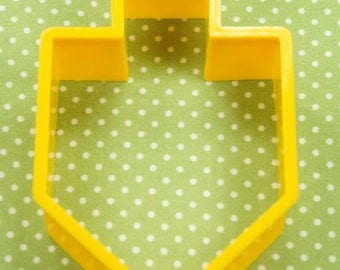 Collectable Yellow Plastic Hallmark Dreidel Cookie Cutter USA
