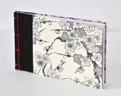 Kleines japanisches Notizbuch mit Kirschblüte, Creme, Schwarz, Rot, handgebunden, Journal, Tagebuch, Skizzenbuch, Reisetagebuch, Notizblock