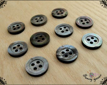 10 vintage buttons mother of pearl Tahiti, 4 holes, 12 mm