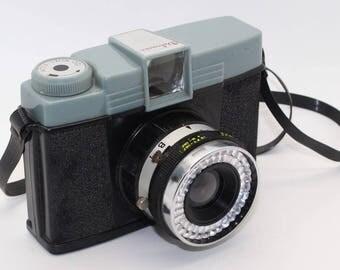 Debonair Diana Vintage 120 Film Toy Camera - Lomo/Lomography - c.1960's - Rare and very collectable