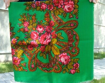 Green shawl  Green scarf  Vintage shawl Ukrainian shawl Russian shawl  Wool scarf Wool shawl  Floral shawl Floral scarf  Wrap made in USSR