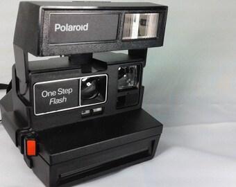 Polaroid one step flash (camera)