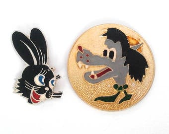 "Set of 2 soviet pin badges - wolf and hare, character of Russian cartoon ""Nu Pogodi !"" / Made in USSR"